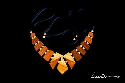 Combinaciones en madera de Sapelly, Castaño y Peral.