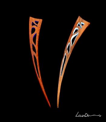 """Diseño """"Puñalitos"""". En madera de teka y nogal. Diseño original y realizada a mano de forma artesanal. Tintes especiales para madera."""