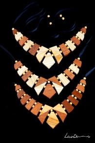 Collares Puzle. Combinaciones en madera de Sapelly, Castaño y Peral.